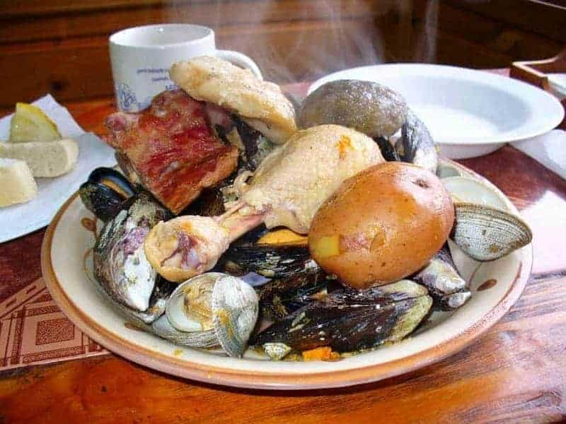 12 platos de comida típica chilena 9