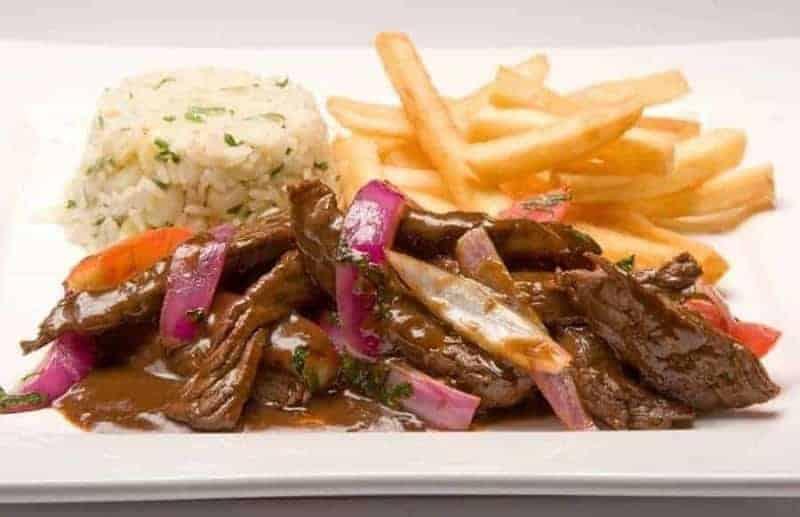 18 platos de comida típica peruana 2