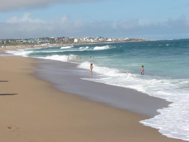 Playa Manantiales
