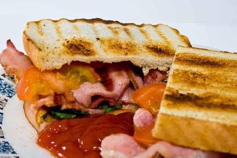 Bacon Sandwich (sándwich de tocino)