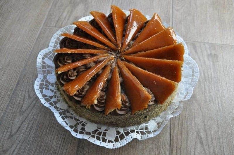 Dobostorta (bizcocho de chocolate con capas de mantequilla)