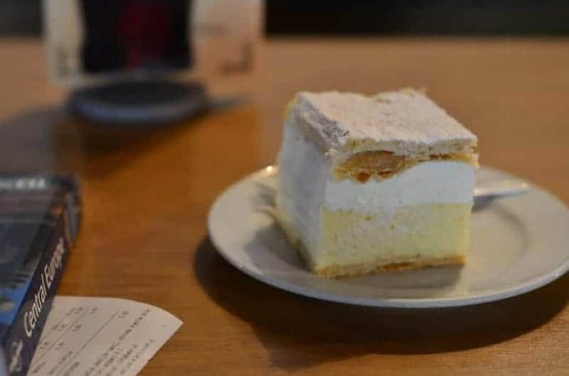 Kremna Rezina (tarta de hojaldre con natillas y vainilla)
