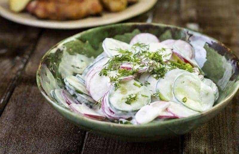 Mizeria (ensalada de pepino)