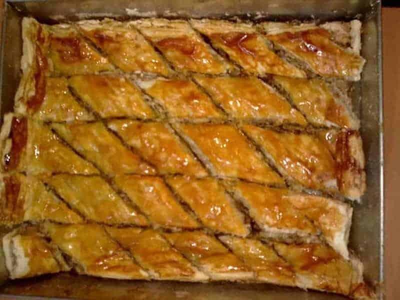 Pakhlava (masa dulce rellena de almendras)