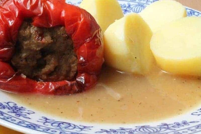 Töltött Paprika (pimiento relleno)