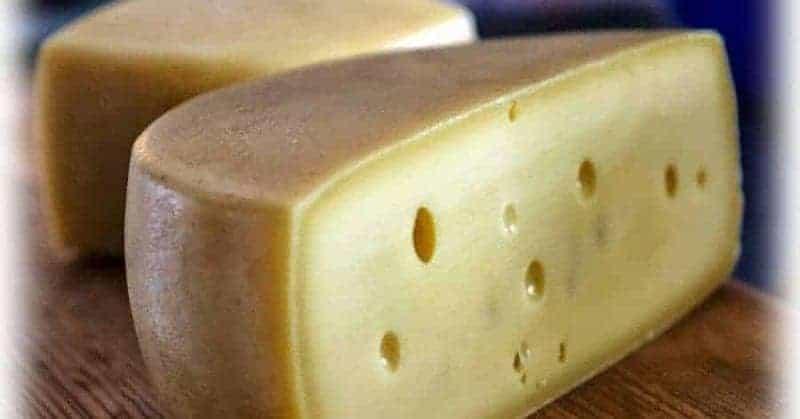 Tolminc (queso semiduro)