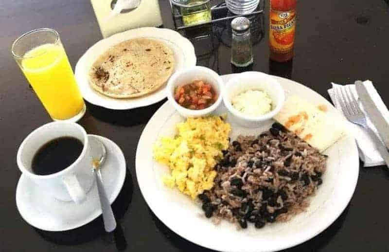 Desayuno Nica