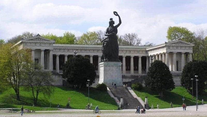 Estatua de Baviera