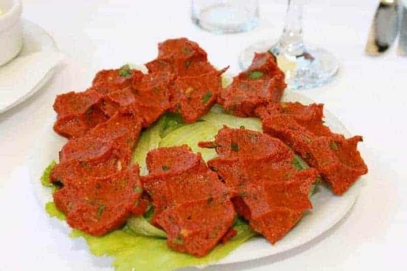 Çiğ köfte (albóndigas picantes)