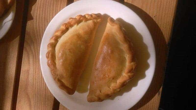Kibinai (pasteles de cordero y cebolla)