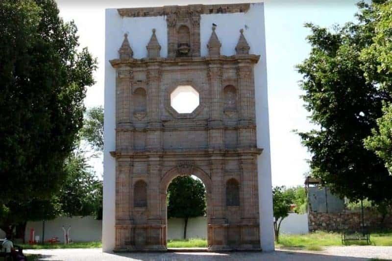 Plaza de los Tres Pueblos