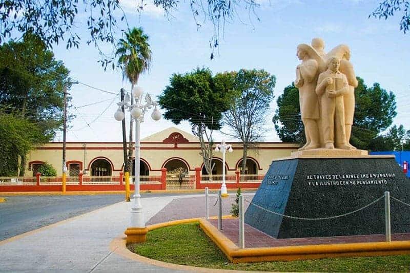 Monumento al Maestro Moisés Sáenz