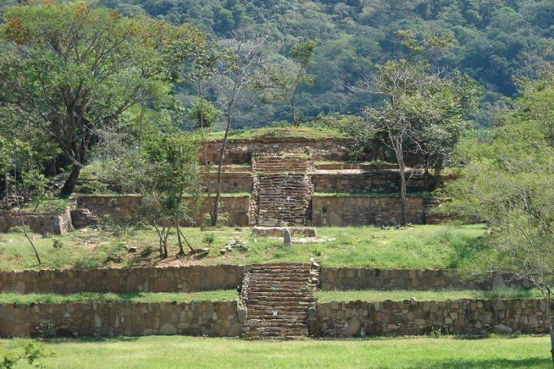 Zona Arqueológica de Tehuacalco