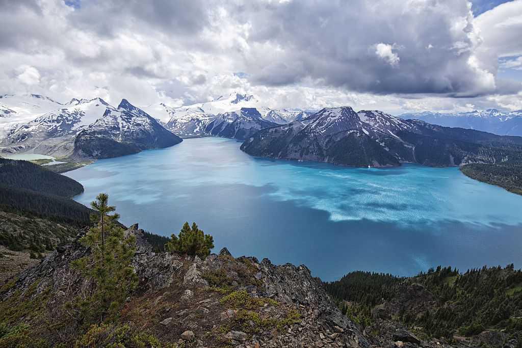 Los 15 mejores lagos en Canadá 13