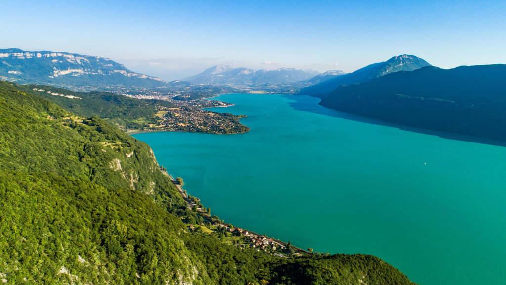 20 lagos de Francia más bonitos 13