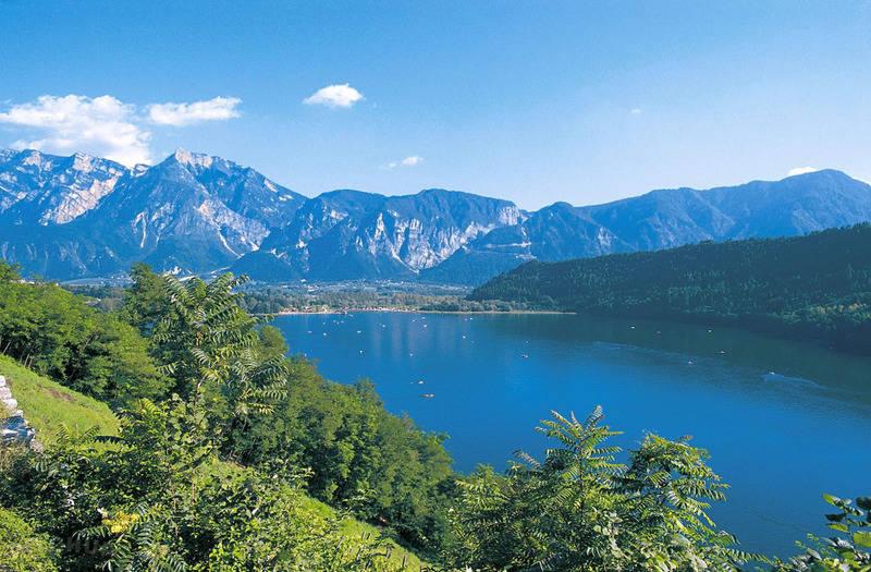 14 lagos de Italia más impresionantes 11