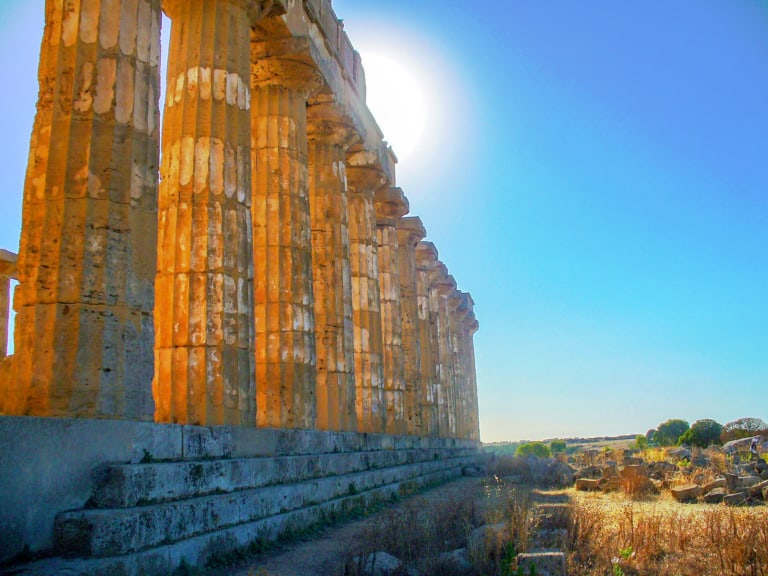 15 templos griegos más impresionantes 17