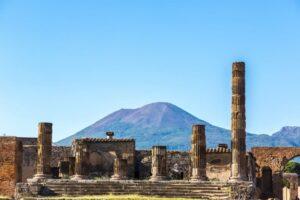 5 volcanes activos en Italia 7