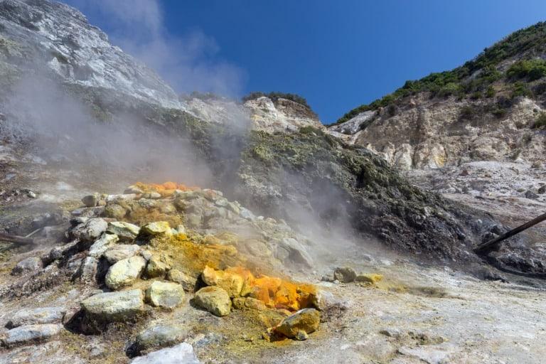 5 volcanes activos en Italia 4