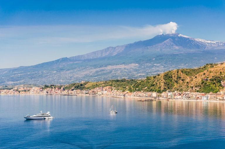 5 volcanes activos en Italia 2