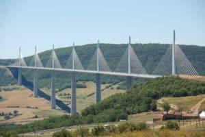 Viaducto de Millau: qué es y 7 curiosidades 2