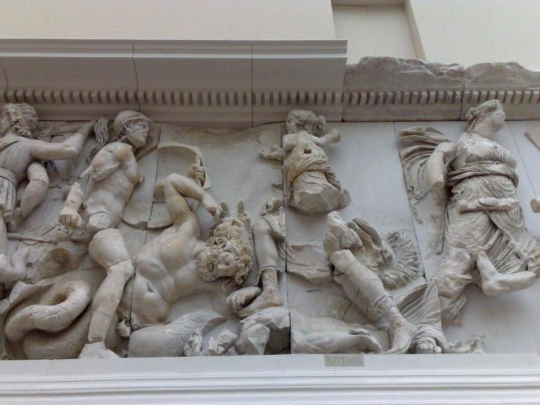 25 esculturas griegas más famosas 24